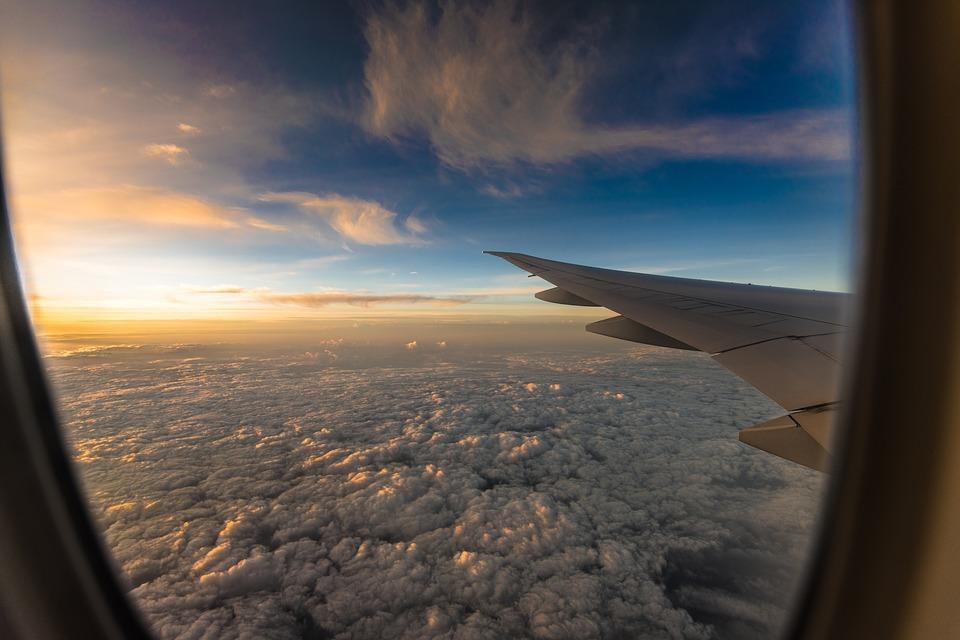 calatorii cu avionul