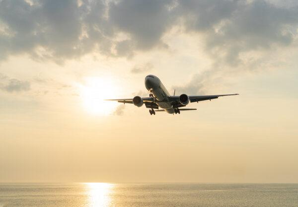 Sfaturi practice de aplicat in momentul calatoriei cu avionul – Ghidul complet pentru calatoria cu avionul