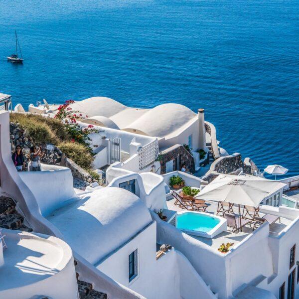 Cum economiseste bani intr-o vacanta in Grecia